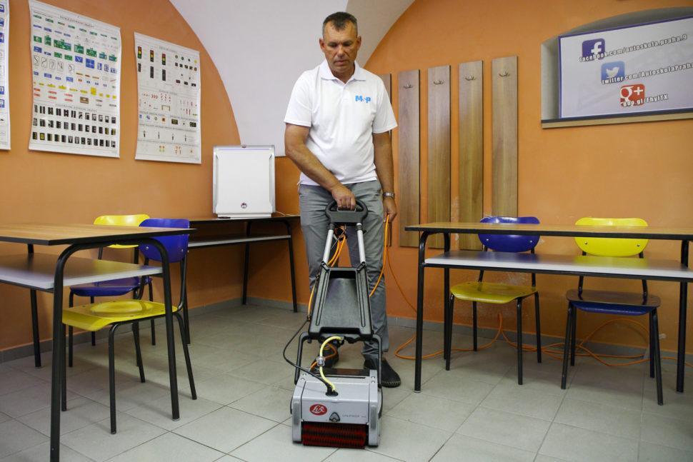 MSP čištění adezinfekce učebny